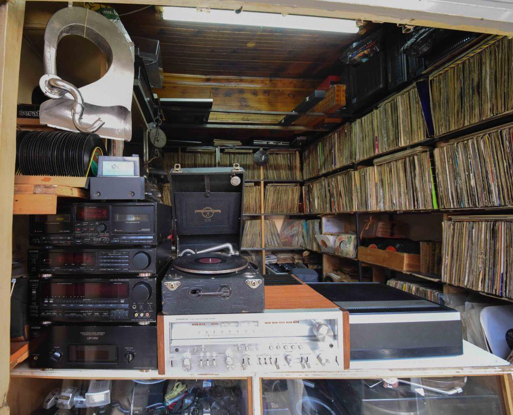 Vinyl Guru-1.jpg